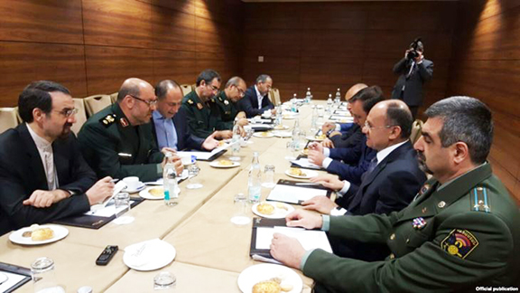 Defense Minister Seyran Ohanian and his Iranian counterpart Hossein Dehqan discussing Nagorno-Karabakh in Moscow
