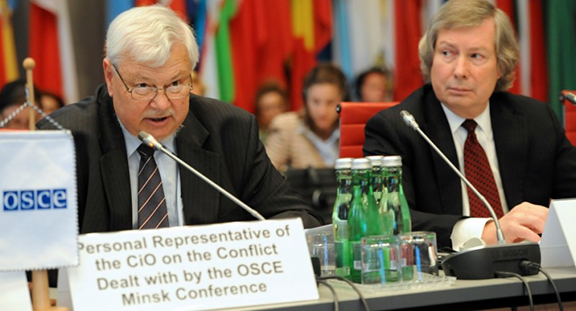 Personal Representative of the OSCE Chairperson-in-Office, Ambassador Andrzej Kasprzyk (left) with OSCE Minsk Group's US co-chairman James Warlick