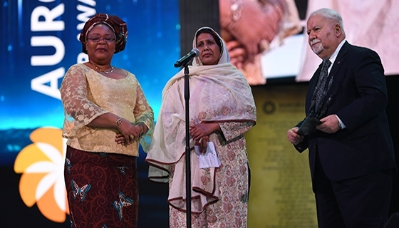 100 LIVES Co-Founder Vartan Gregorian with Selection Committee Member Leymah Gbowee and Aurora Prize finalist Syeda Ghulam Fatima (Photo: Aurora Prize)
