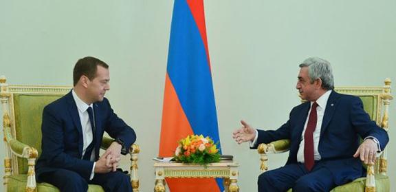 Russian Prime Minister Dmitry Medvedev and Armenian President Serzh Sarkisian