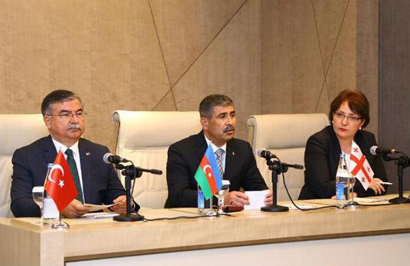 (From Left to Right) Turkish Defense Minister İsmet Yılmaz, Azerbaijani Defense Minister Zakir Hasanov, and Georgian Defense Minister Tinatin Khidasheli meeting about the three countries' trilateral military cooperation agreement. (Source: Hurriyet)