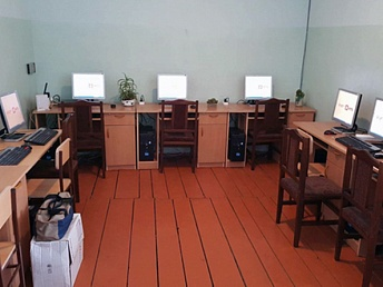 VivaCell-MTS donated computers to border villages in Armenia. (Source: ARKA)