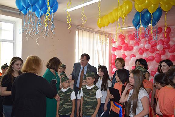 U.S. Ambassador Mills visits orphanage in Vanadzor, Armenia to examine Child Welfare Reform (Photo: U.S. Embassy in Armenia)