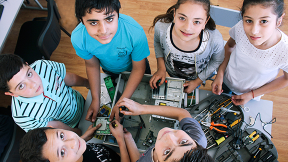 ONEArmenia has launched their recent campaign, Hye Tech Kids, to accelerate the development of engineering labs throughout Armenia. (Photo: ONEArmenia)