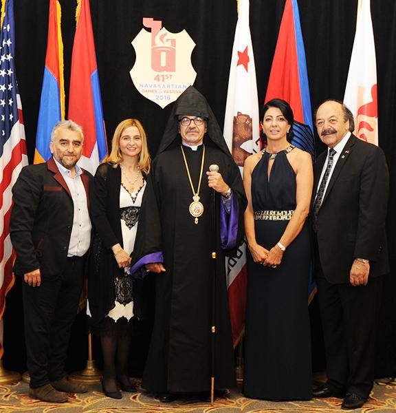 From left, Former Navasartian President Vahagn and Baydsar Thomassian, Arch. Mardirossian and 2016 Honorary presidents Araxie and Khatcho Achadjian