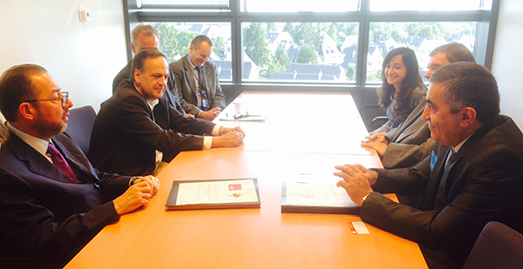 The ARF delegation (right) discuss MOU with S&P Group officials