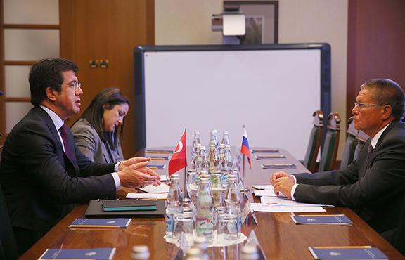 Turkey's Economy Minister, Nihat Zeybekci, and Russian Economic Development Minister, Alexei Ulyukayev (Photo: Dmitry Serebryakov/TASS)
