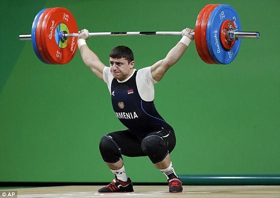 Andranik Karapetyan before dislocation of elbow (Photo: Associated Press)