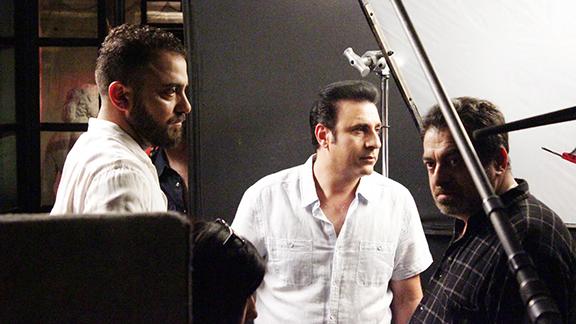Khoren Levonyan (left), Vahik Pirhamzeyi and Hrant Tokhatyan on the set of 3 Weeks in Yerevan.