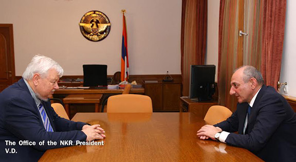 Artsakh President Bako Sahakyan meets with Personal Representative of the OSCE Chairman-in-Office Andrzej Kasprzyk on August 15m 2016. (Photo: nkr.am)