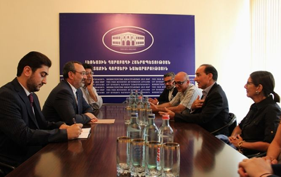Bohjalian and Tufenkian Foundation delegation meet with Artsakh Foreign Minister Karen Mirzoyan on August 31, 2016. (Photo: nkr.am)