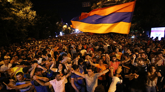 Protesters demonstrating in Yerevan against an electricity price hike instigated by the Armenian government, June 2015 (Photo: Al Jazeera)