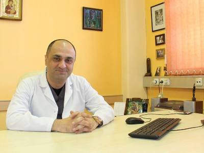 The main challenger to the Republican-backed mayor, Samvel Balasanyan, is the Armenian Revolutionary Federation (ARF), whose local list is being headed by Ashot Kurghinyan, a medical doctor and head of the Austrian Children's Hospital in the city.