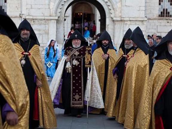 Karekin II at Ghazanchetsots Cathedral
