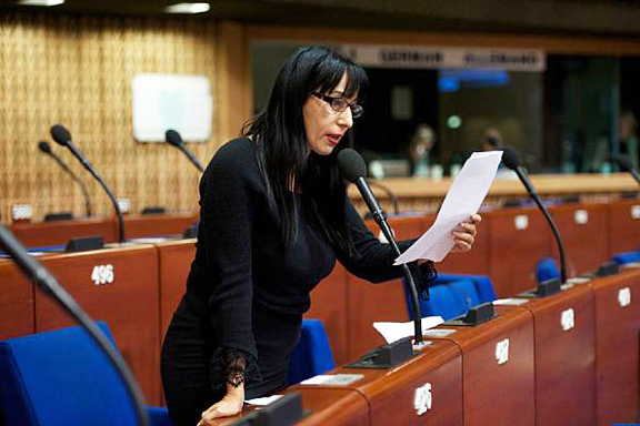 Naira Zohrabyan, member of the Armenian delegation to PACE, presenting at the plenary session on Thursday, Oct. 13, 2016 (Photo: parliament.am)