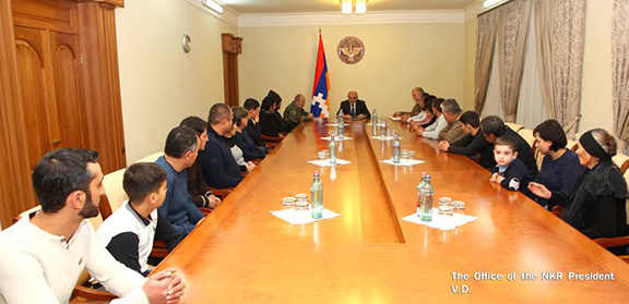 Sahakyan meets with Sisian families of servicemen who have lost their lives in the Four Day War in April. (Photo: president.nkr.am)