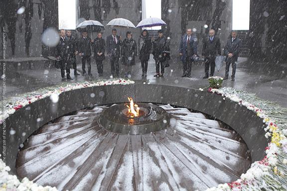 President of the Senate of the Kingdom of Belgium Christine Defraigne visits Tsitsernakaberd Memorial on Nov. 1, 2016 (Photo: parliament.am)