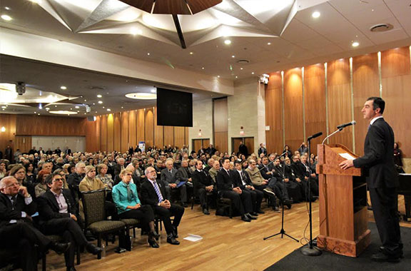 Cem Özdemir delivers his keynote speech honouring Hrant Dink and his legacy (Photo: Harout Kassabian)
