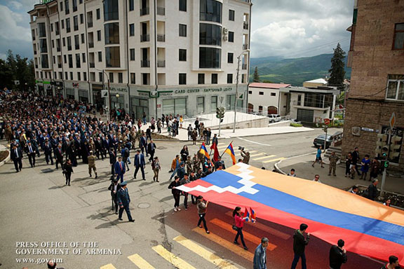 Residents of Stepanakert mark the 25th anniversary of Artsakh's independence