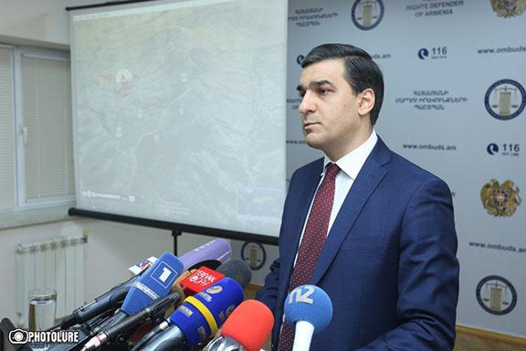 Arman Tatoyan, Armenia's Human Rights Defender (Ombudsman) speaking to reporters on Jan. 18, 2017 (Photo: Photolure)