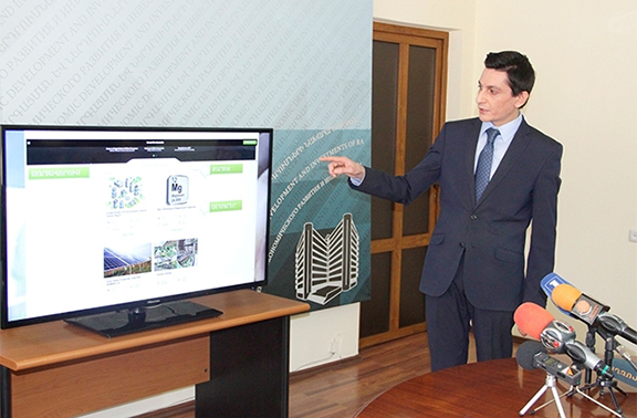Aram Vardanyan, a ministry official heading the initiative, presenting on Feb. 17, 2017 investmentprojects.am (Photo: Ministry of Economic Development and Investments of Armenia)