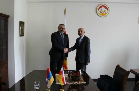 Artsakh Republic Foreign Minister Karen Mirzoyan (left) visiting newly elected president of South Ossetia Anatoly Bibilov (Photo: Artsakh Republic Ministry of Foreign Affairs)
