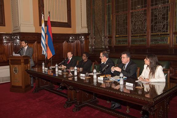 Uruguayan lawmakers commemorate the Armenian Genocide in the Legislative Palace of Uruguay  on April 25, 2017 (Photo: Agencia Prensa Armenia)