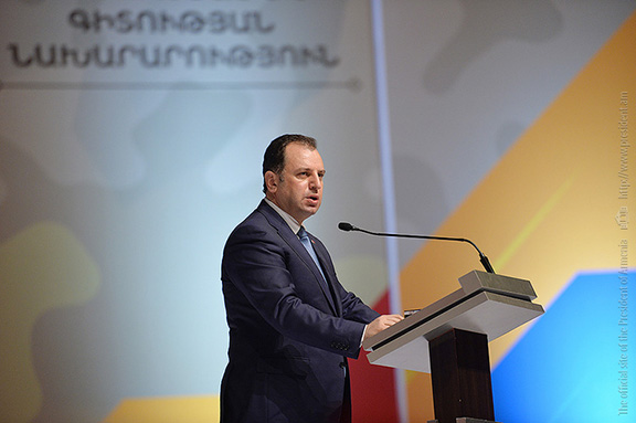 """Armenia's Defense Minister Vigen Sargsyan speaks during the """"Nation-Army 2017"""" forum on April 20, 2017 in Yerevan (Photo: Press Office of the President of Armenia)"""