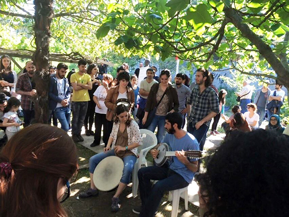 A scene from the live-in demonstration at Camp Armen (Photo: Nor Zartonk)