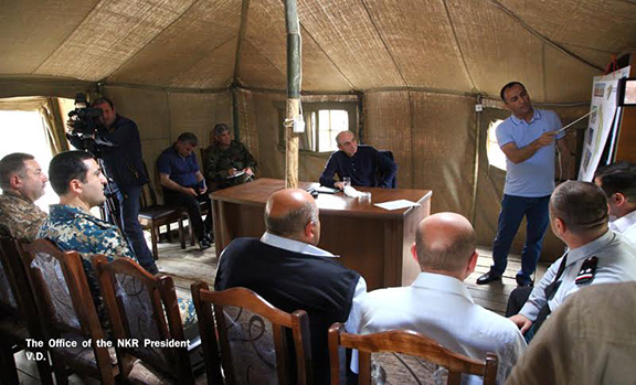 Bako Sahakian and Talish leaders discuss development projects for the village on May 16, 2017 (Photo: President of the Republic of Artsakh)