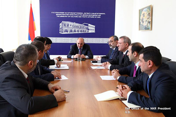 Artsakh President Bako Sahakian meets with Ministry of Culture and Youth Affairs in Shushi on May 18, 2017 (Photo: President of the Republic of Artsakh)