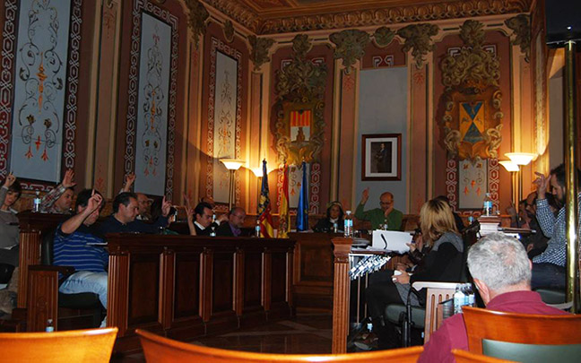 The city council of Villena, Spain votes in favor of recognizing the Armenian Genocide on April 28, 2017 (Photo: Armenian Embassy in Spain)