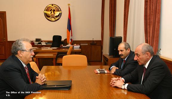 Alec Baghadasaryan's meeting with Bako Sahakian (Photo: Office of the NKR President)
