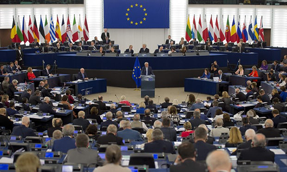 MEPs at the European parliament (Photo: Patrick Hertzog/AFP/Getty Images)