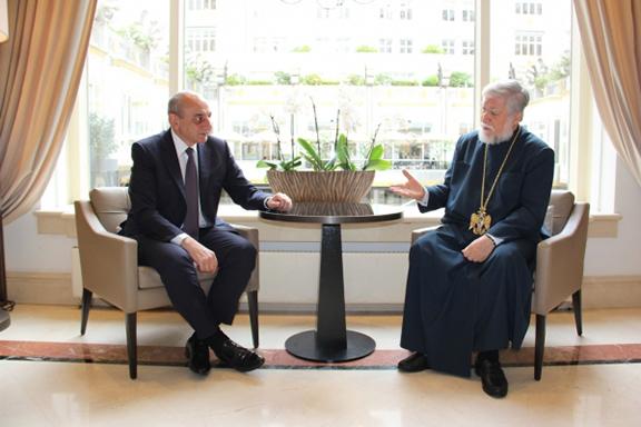 Artsakh President Bako Sahakian with Catholicos of the Great House of Cilicia Aram I (Photo: Office of the NKR President)