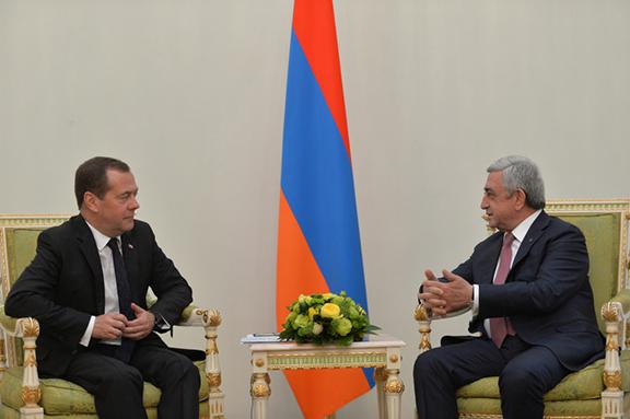 Medvedev with Armenain President Serzh Sarkisian (Photo: Office of the President of Armenia)