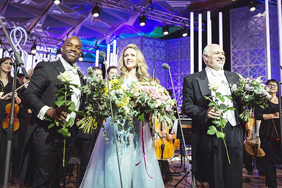 With superstar tenor Lawrence Brownlee, Sarah Coburn, soprano and CO in July 2017 in Jurmala, Latvia