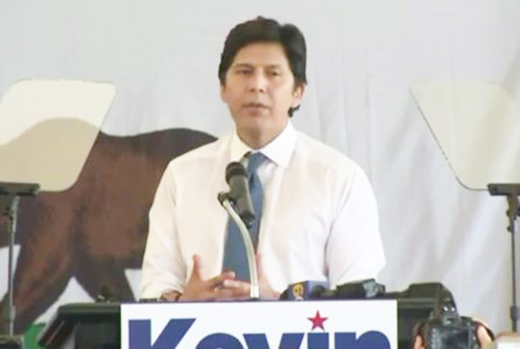 Kevin de Leon during his campaign kick-off rally on Wednesday