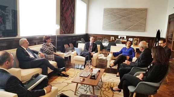 ANCA-WR delegation discusses issues of importance to the Armenian community with LA Mayor Eric Garcetti