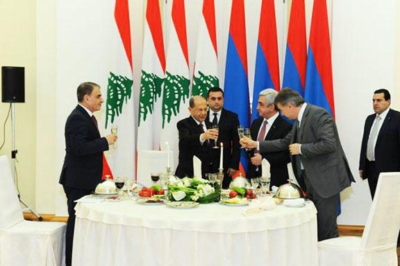 President Serzh Sarkisian hosted a state dinner for visiting Lebanese President Michel Aoun