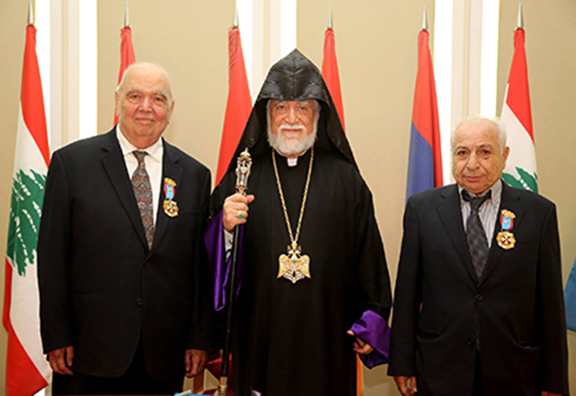 """Catholicos Aram I (center) with """"Cilician Prince"""" medal recipients Prof. Richard Hovannisian (left) and Yervant Pamboukian (right)"""