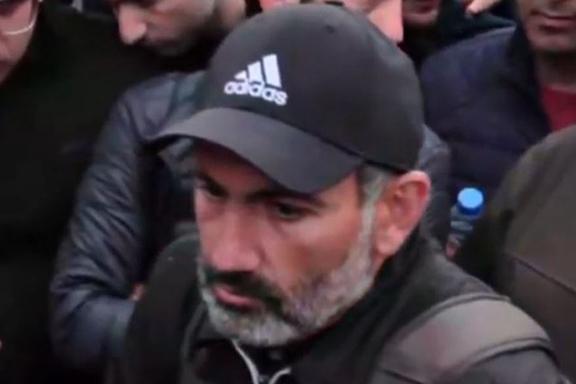 Nikol Pashinyan, the leader of the movement to oust Serzh Sarkisian, speaks at  a rally in Yerevan on Monday after Sarkisian's resignation. (Scree capture Azatutyun.am)
