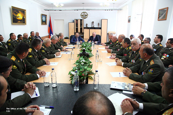 In Stepanakert, Armenia's Prime Minister Nikol Pashinyan meets with Artsakh's top Army and military brass