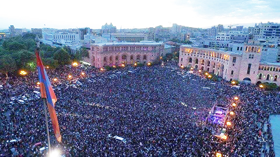 A sea of people on Republic Square who gathered from the early morning hours anticipating Nikol Pashinyan's election as prime minister. Parliament failed to come through