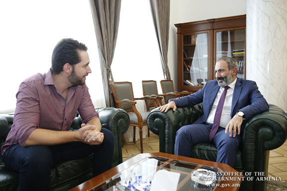 Reddit Co-Founder Alexis Ohanian meeting with Prime Minister Pashinyan.