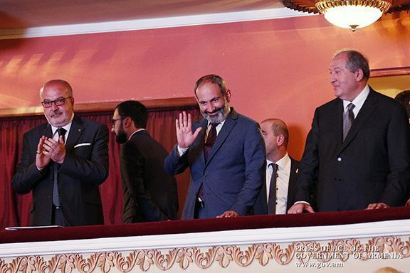 From left, Homenetmen Central Executive chairman Karnig Mgrdichian, Prime Minister Nikol Pashinyan and President Armen Sarkissian at the Homenetmen Centennial celebration in Yerevan