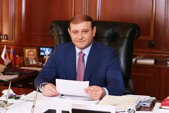 Yerevan Mayor Taron Markaryan announced his resignation on Monday