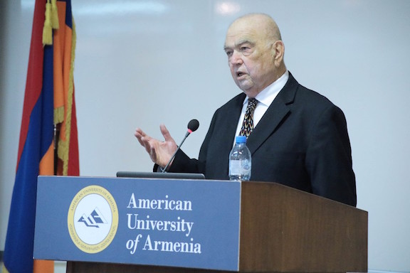 Professor Richard Hovannisian at the American University of Armenia lecture series, April 2018.