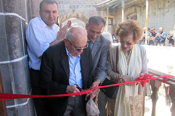 Hacob and Mina Shirvanian cut the ribbon to the Shirvanian Youth Center in Gyumri in July 2016