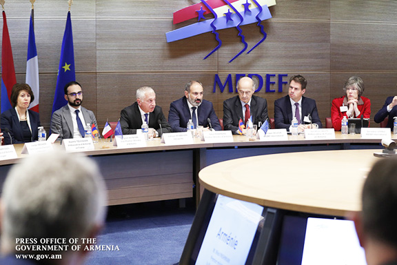 Prime Minister Nikol Pashinyan at the MEDEF meeting in Paris on Sept. 14